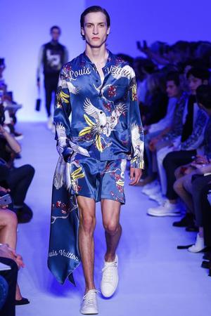 Louis-Vuitton-Menswear-SS16-Paris-5552-1435243582-thumb