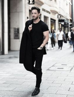 modern-mens-all-black-outfits-casual-style