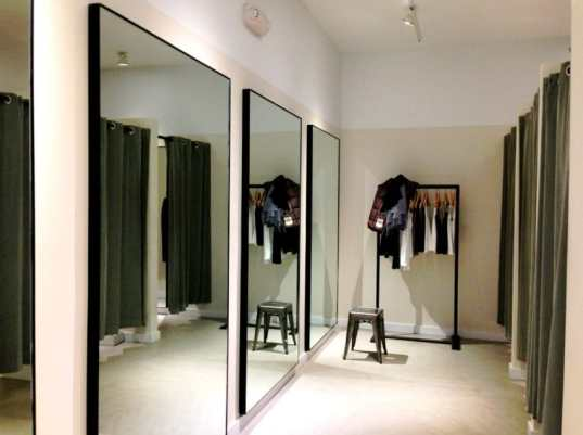 Theory_clothing_retailer_Dressing_Room_Westport_CT_06880_USA_-_Mar_2013-850x635